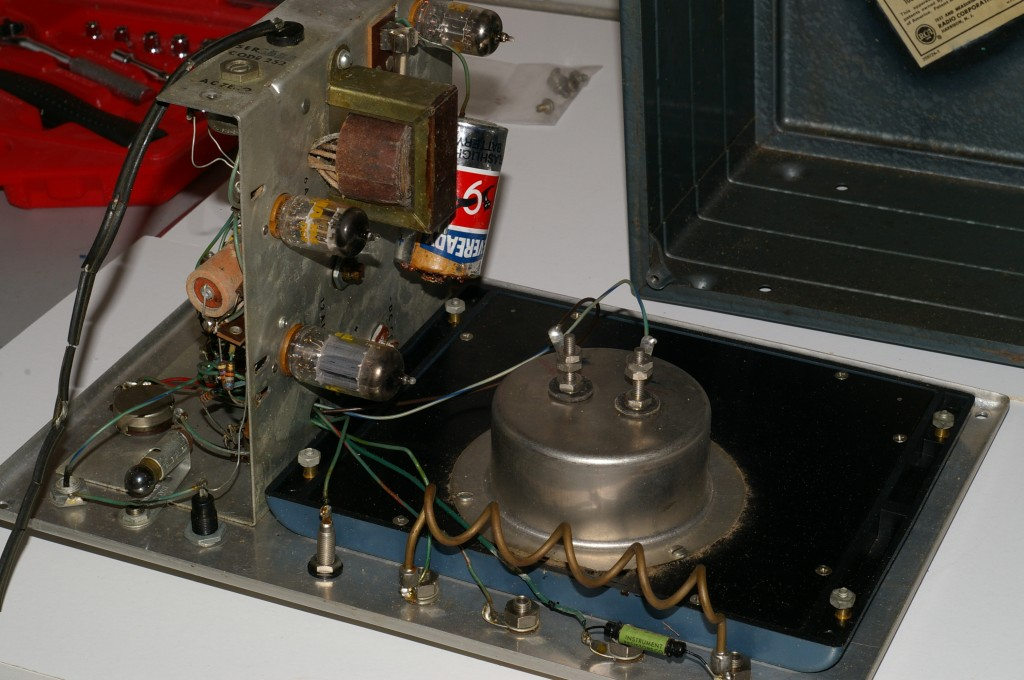 RCA WV-87A Master VoltOhmyst chassis