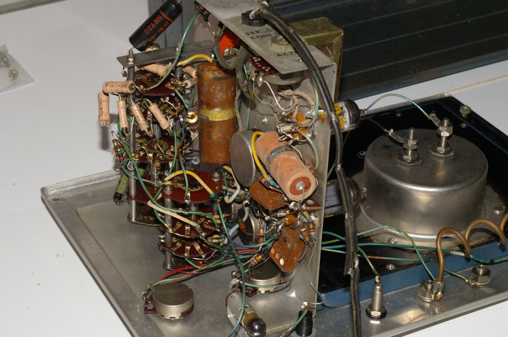 RCA WV-87A Master VoltOhmyst chassis view #2